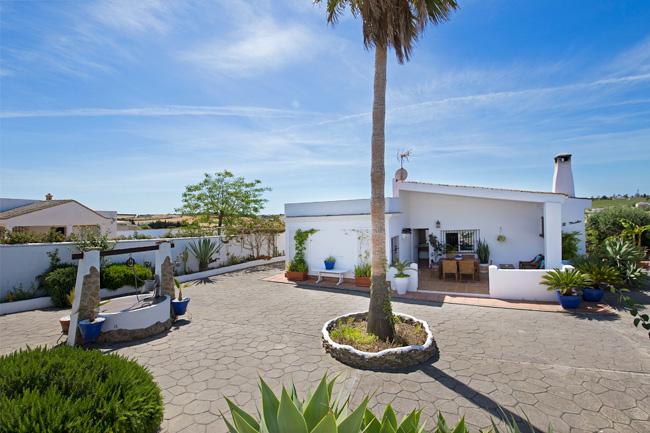 Villa con piscina en Conil de la Frontera