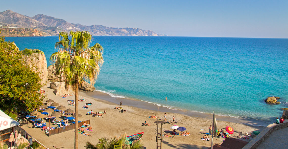 Playas de Nerja - Andalucía Simple