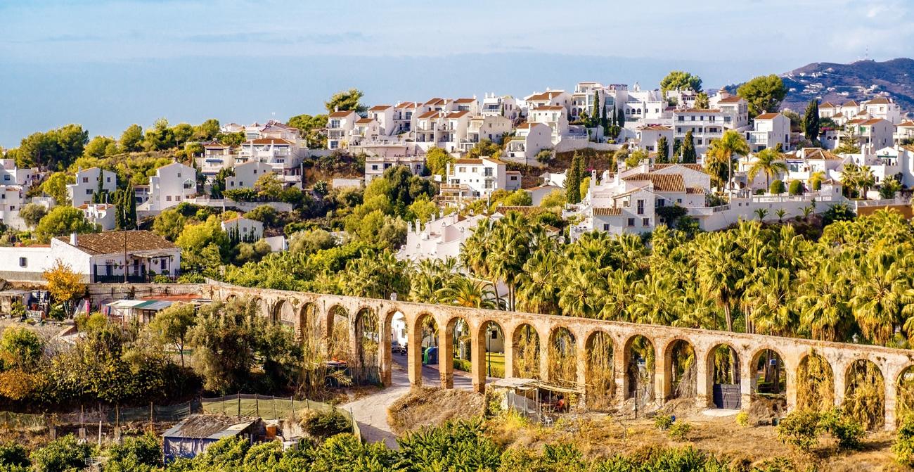 Nerja pueblo blanco - Andalucía Simple
